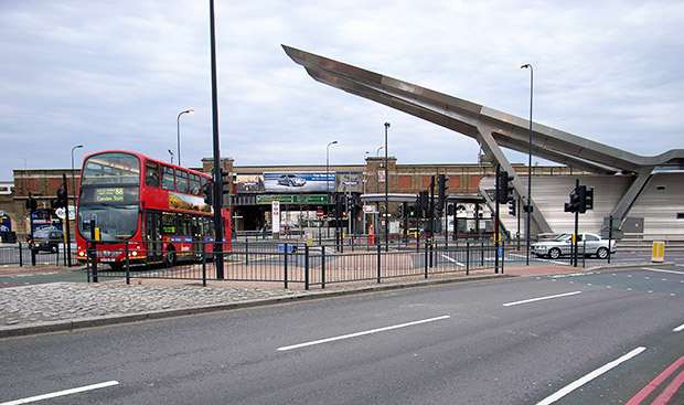 vauxhall-bus-station-threat-3