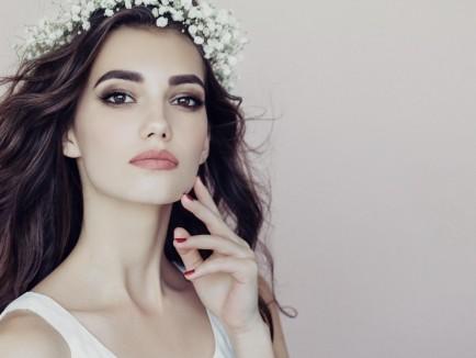 Makeup-Lounge-Home-Slide09-uai-2400x1800