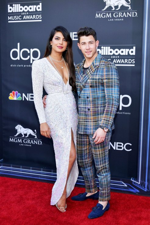 See-the-Hottest-Couples-at-the-BBMAs-8